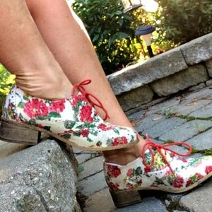 Vintage Floral Oxfords Brogues by Shoe Dazzle New